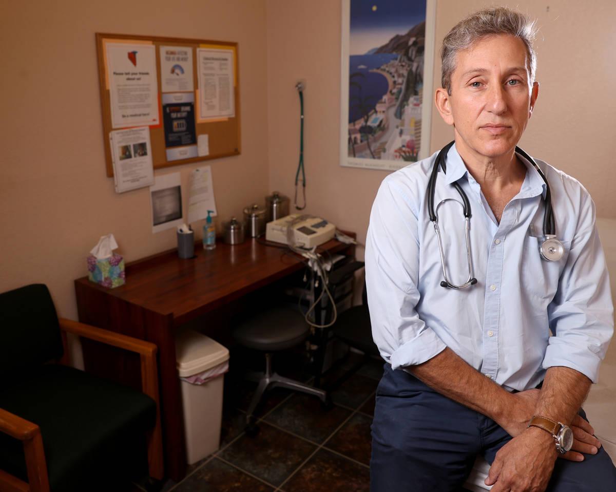 El doctor Michael Levin es el investigador principal del Wake Research-Clinical Research Center ...