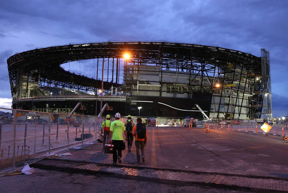 Esta foto de archivo del 26 de septiembre de 2019, muestra el Estadio Allegiant en construcció ...