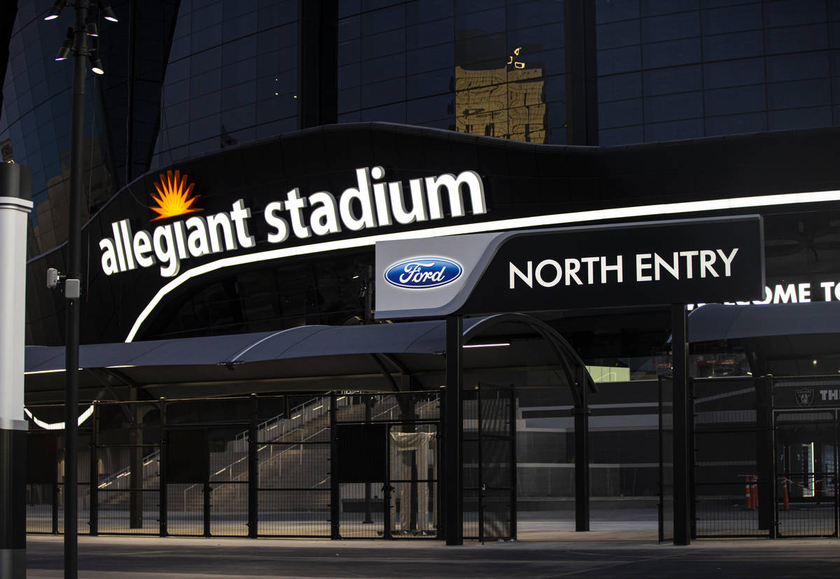 Una vista exterior del Allegiant Stadium en Las Vegas el jueves, 30 de julio de 2020. El estadi ...
