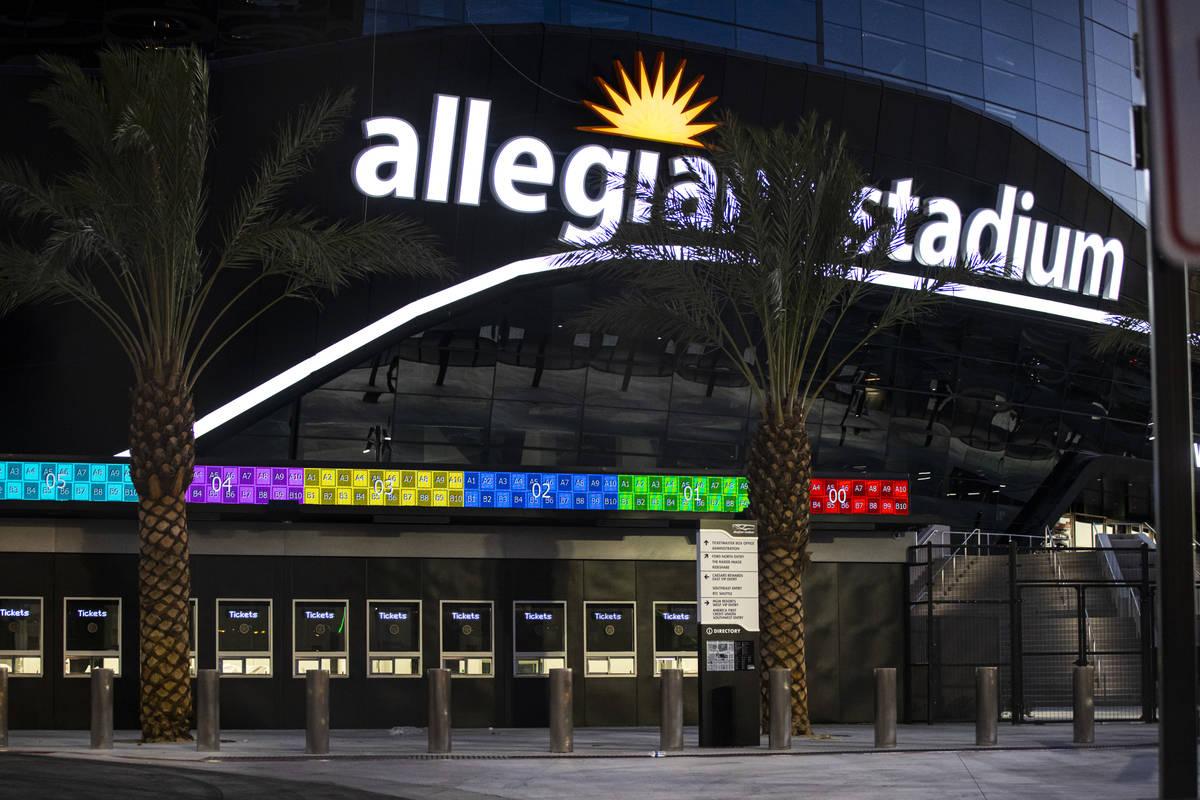 Señalización del Estadio Allegiant de Las Vegas el jueves, 30 de julio de 2020. El estadio, h ...