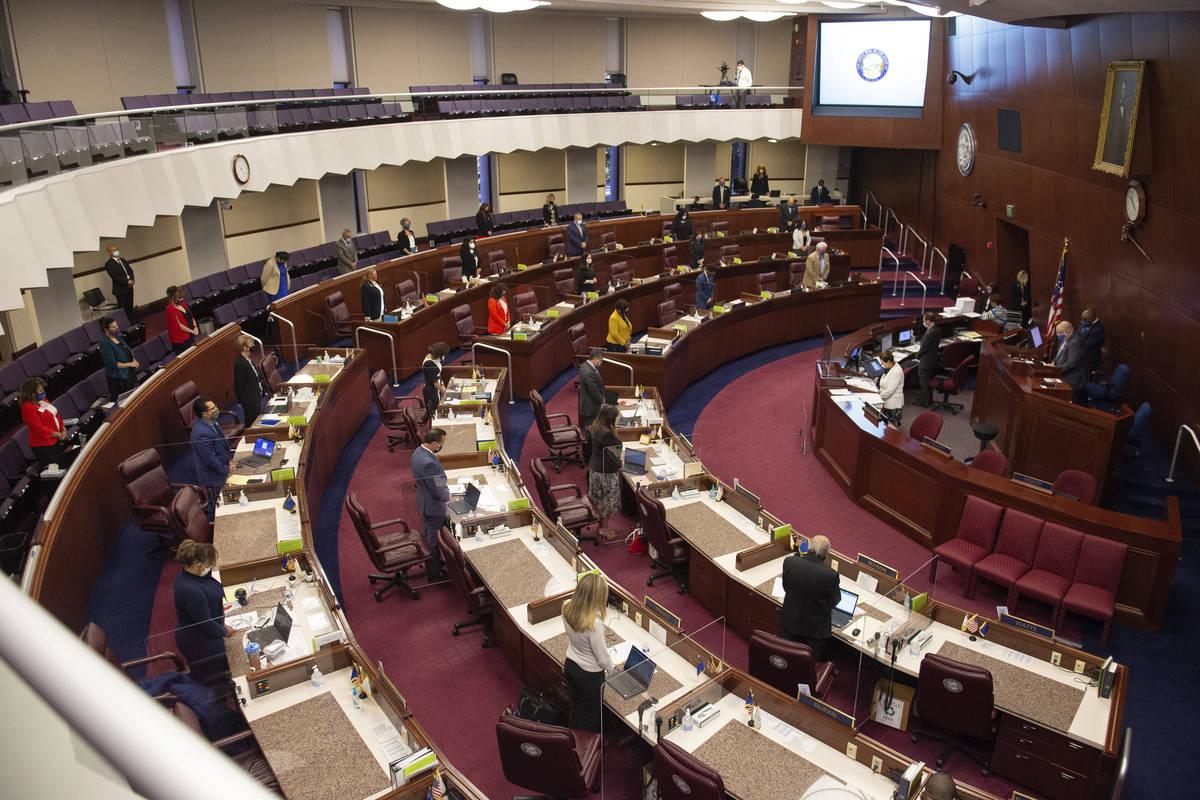 La Asamblea se reúne el primer día de la 31ª Sesión Especial de la Legislatura de Nevada en ...