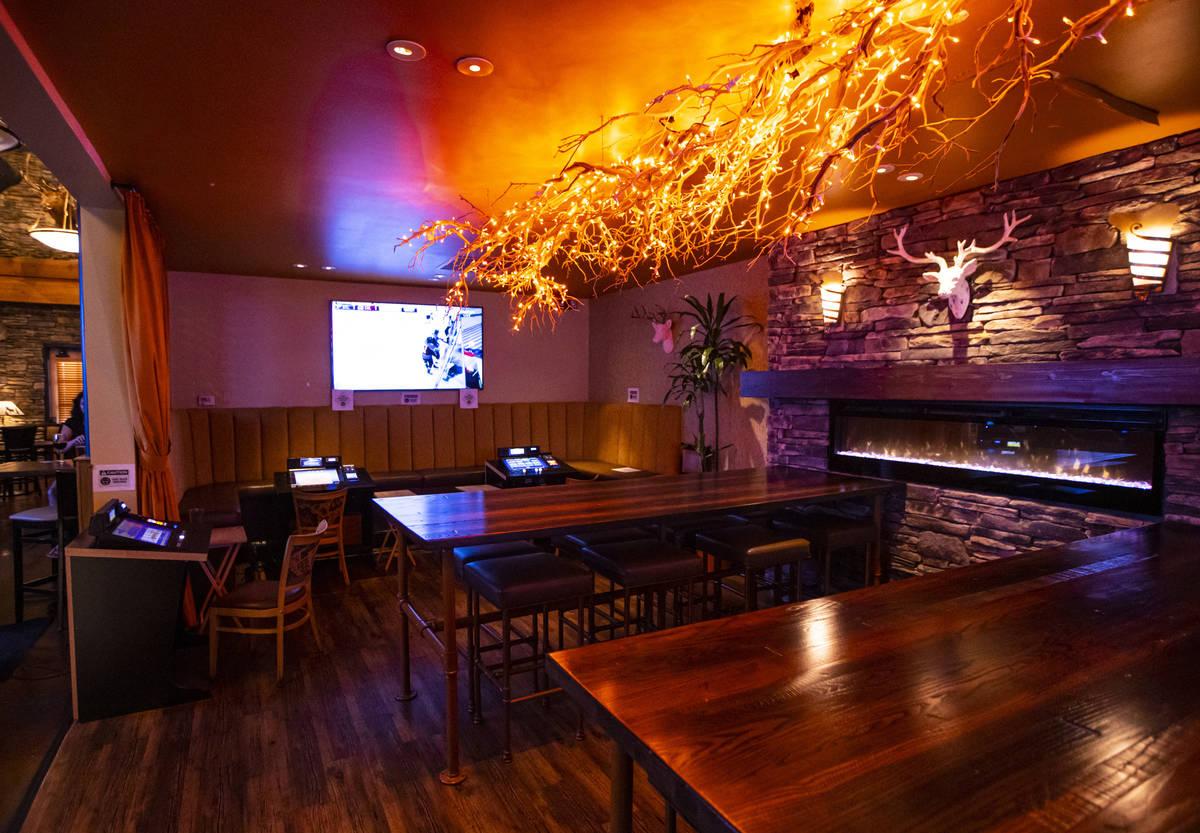 Un salón de juegos en Black Mountain Grill en Henderson el domingo, 2 de agosto de 2020. (Chas ...