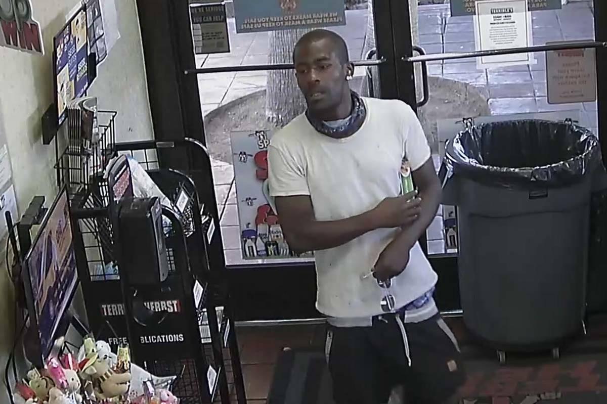 La policía de Las Vegas publicó fotos de alta calidad de un hombre buscado en un ataque no pr ...