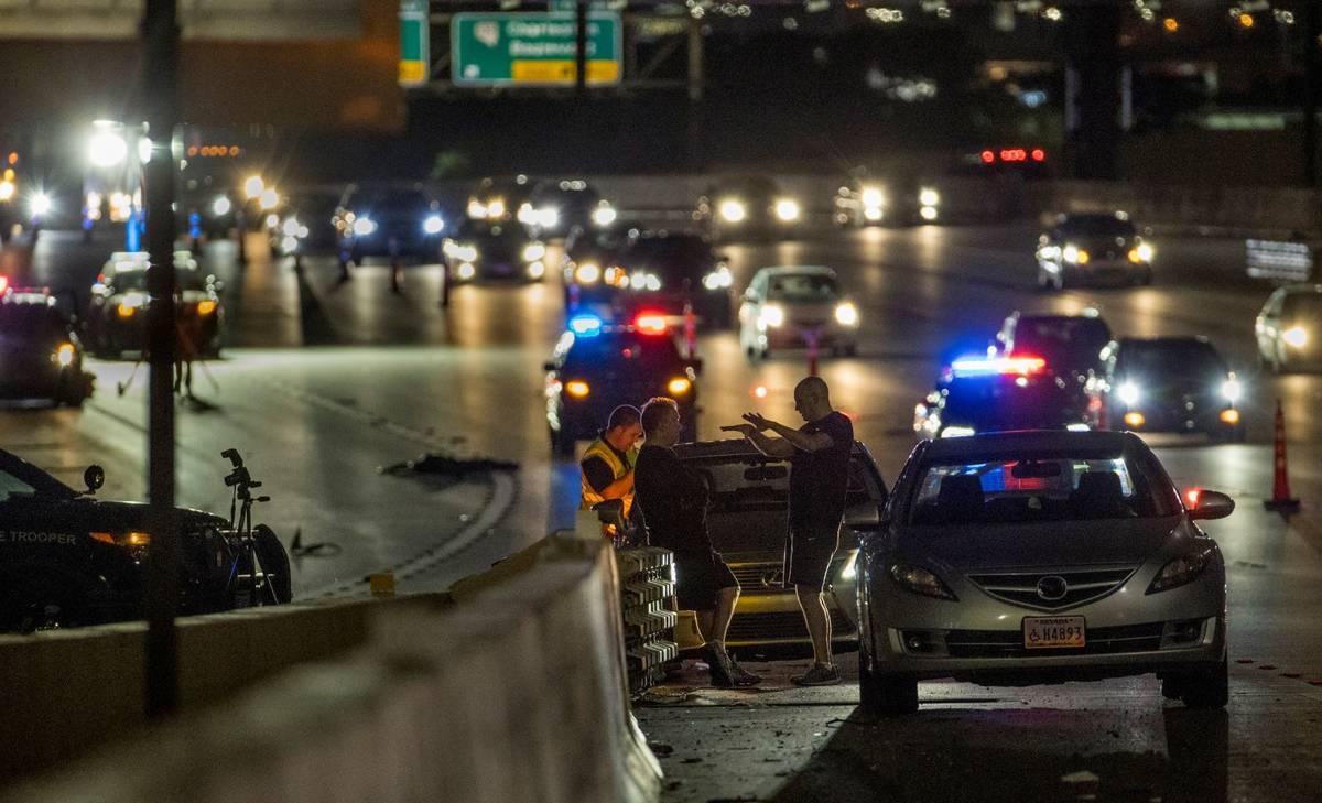 La Patrulla de Carreteras de Nevada bloquea parte de la Interestatal 15 en dirección norte cer ...