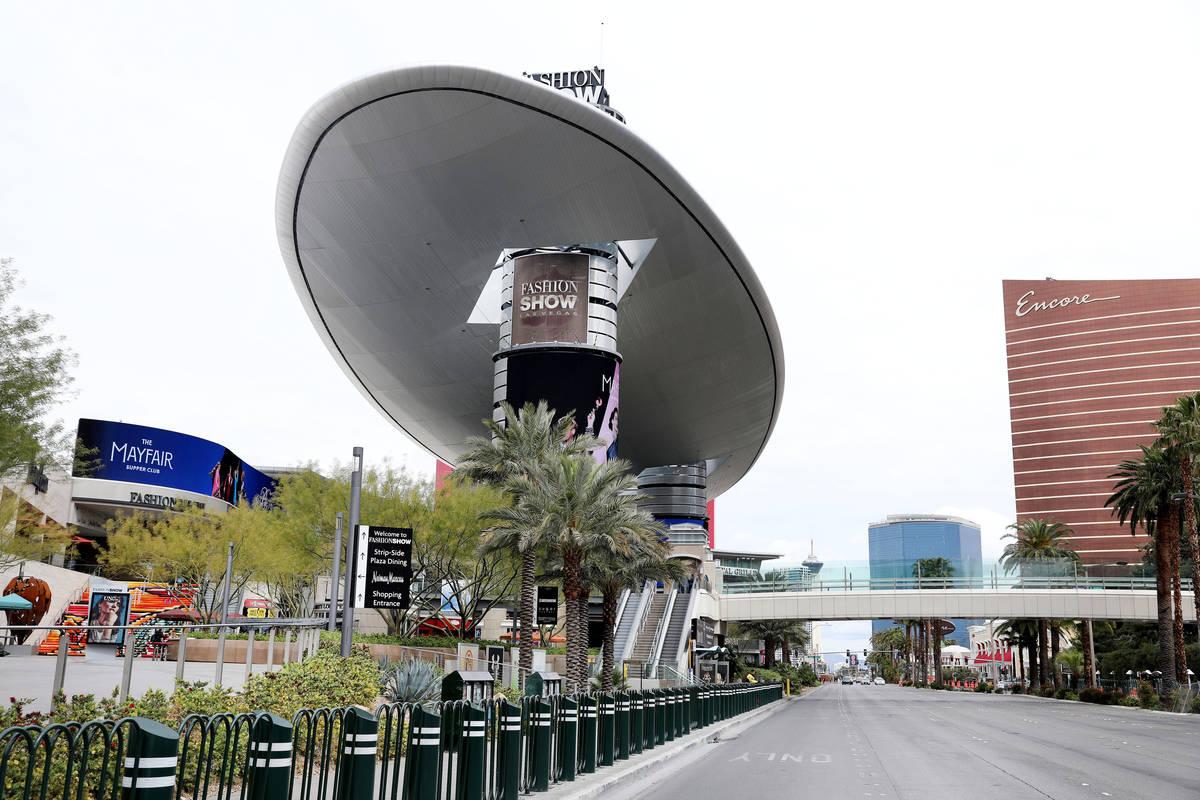 El centro comercial Fashion Show de Las Vegas el miércoles, 18 de marzo de 2020. (Elizabeth Pa ...