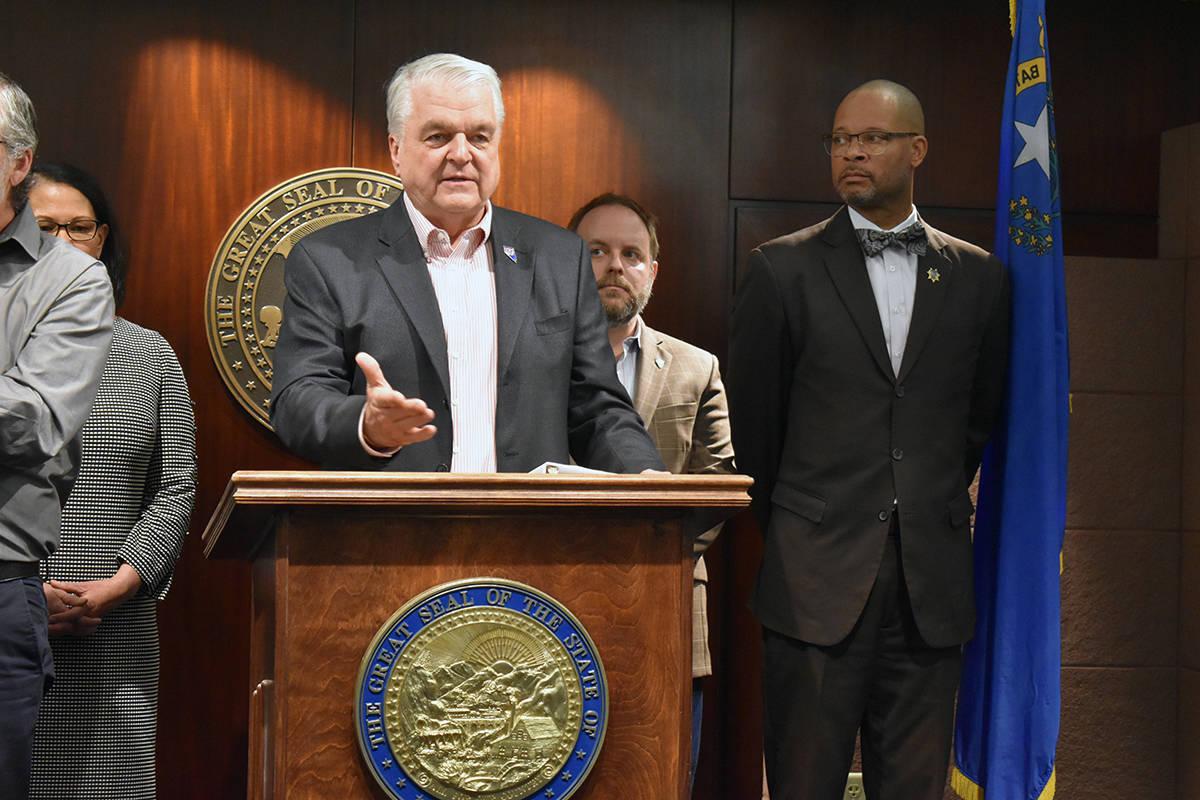 """Firmó el gobernador Steve Sisolak la ley """"Ley Adolfo Fernández"""", de protección de respon ..."""