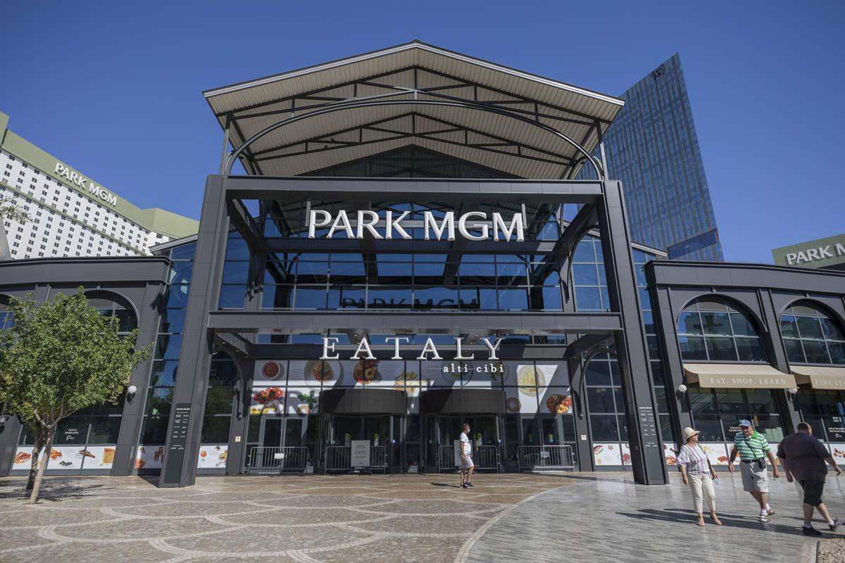 Una vista de Park MGM de Las Vegas el miércoles, 12 de agosto de 2020. (Elizabeth Brumley/Las ...