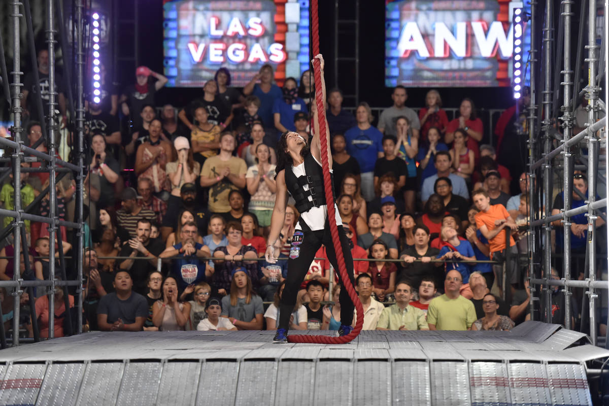 "AMERICAN NINJA WARRIOR - ""Las Vegas National Finals Night 4"" Episodio 1116 - Fotografía: Danie ..."