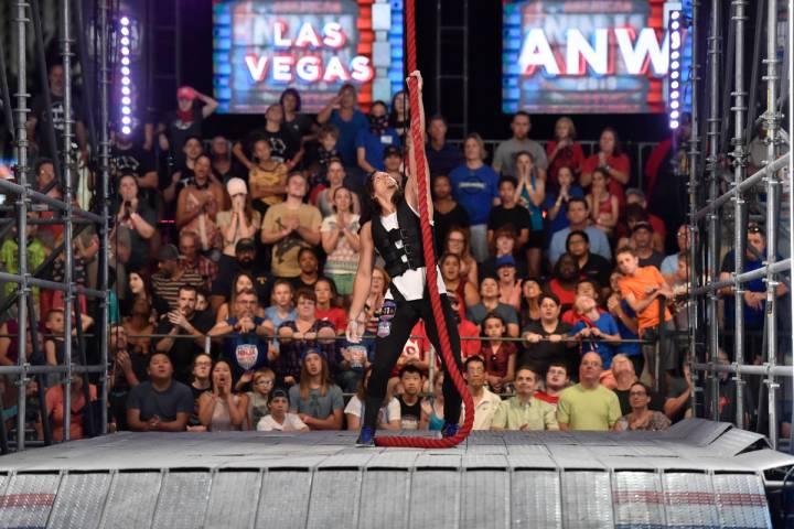 """AMERICAN NINJA WARRIOR - """"Las Vegas National Finals Night 4"""" Episodio 1116 - Fotografía: Danie ..."""