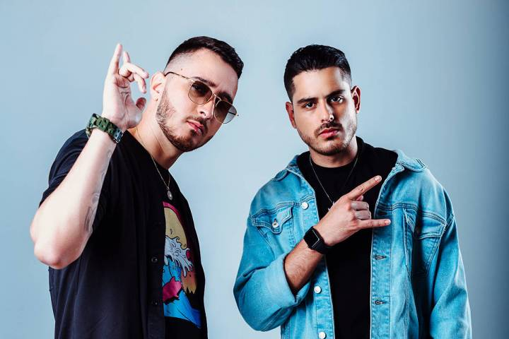 ICON es un dúo de productores conformado por Rolo y Jowan. [Foto Sony Music, vía The Music Joint]