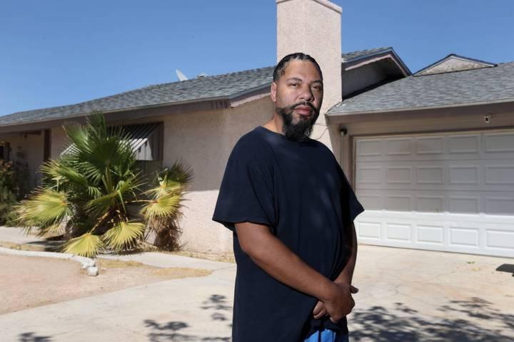 Bradford Cook Jr. es un empleado despedido de MGM Grand y se está quedando sin opciones para c ...