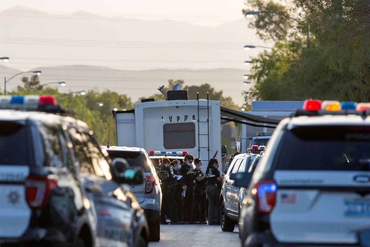 La Policía Metropolitana investiga a un oficial involucrado en un tiroteo en la cuadra 2800 de ...