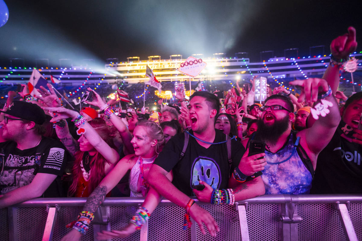 El Electric Daisy Carnival fue adelantado a mayo de 2021 y ya está agotado. (Chase Stevens Las ...