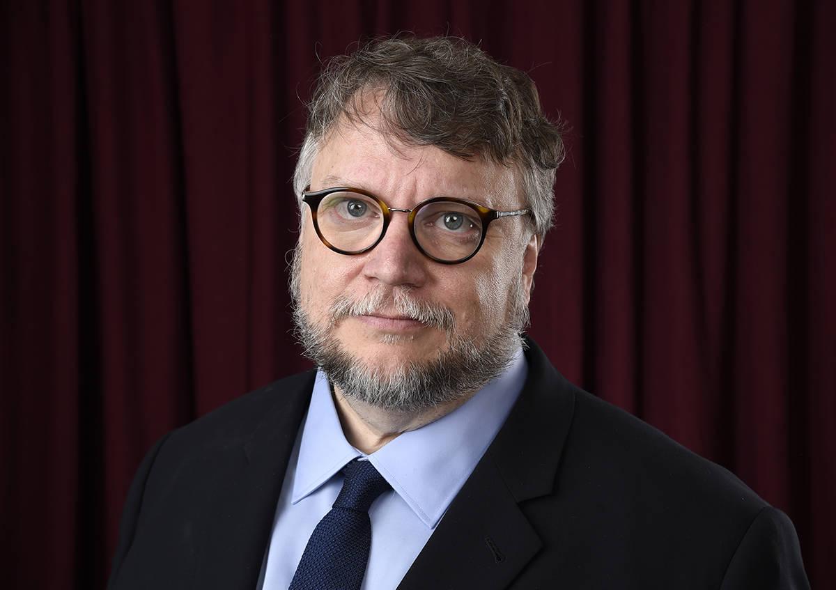 En esta foto de archivo, el cineasta mexicano Guillermo del Toro posa para un retrato en el 90 ...
