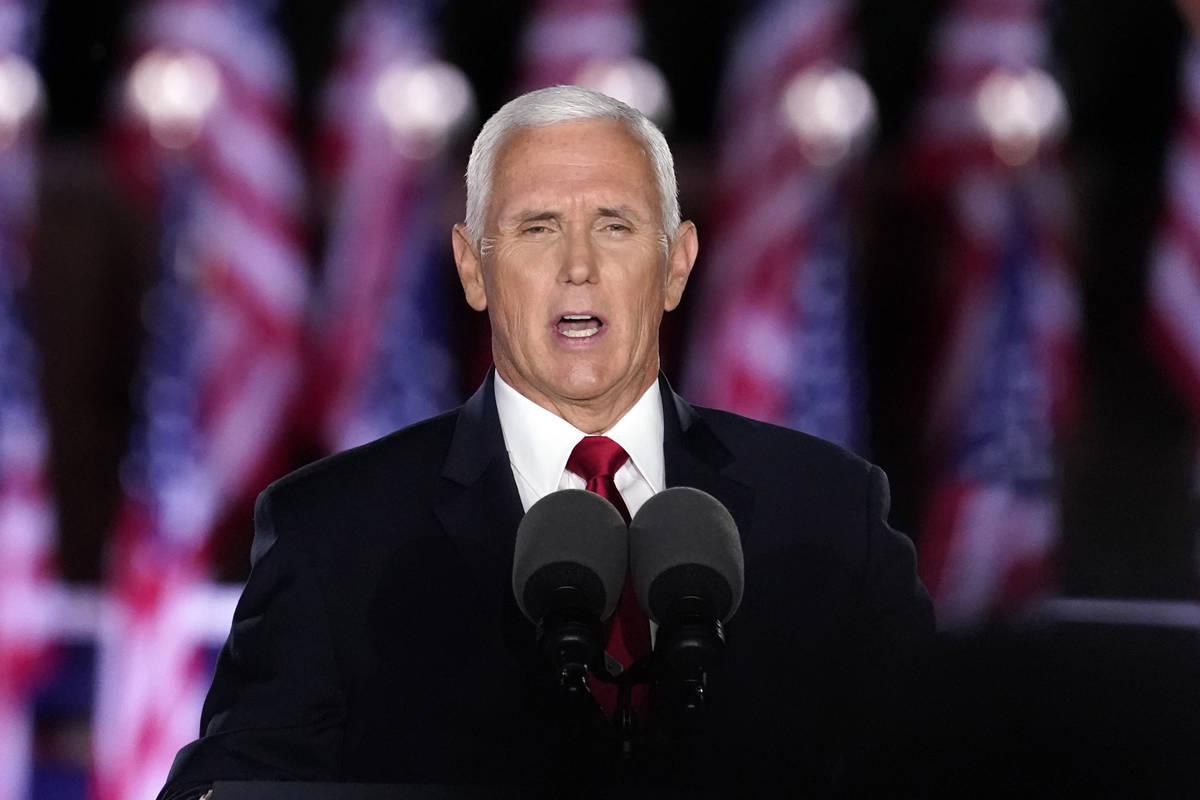 El Vicepresidente Mike Pence habla en el tercer día de la Convención Nacional Republicana en ...