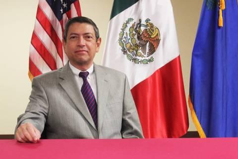 El titular del Consulado de México en Las Vegas, Emb. Alejandro Madrigal, otorgó una entrevis ...