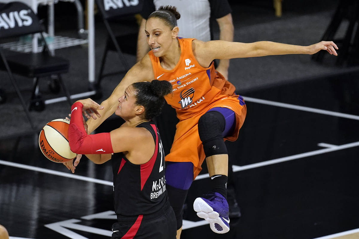14162556_web1_Mercury-Aces-Basketball.jpg