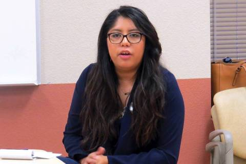 Fotografía de archivo de la organizadora de PLAN, Erika Castro, durante un evento comunitario. ...