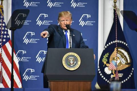 En esta foto de archivo, el presidente Donald J. Trump participa en la Reunión Anual de Lidera ...