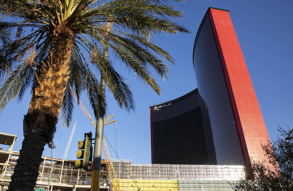 El sitio de construcción de Resorts World fotografiado el lunes, 31 de agosto de 2020, en Las ...