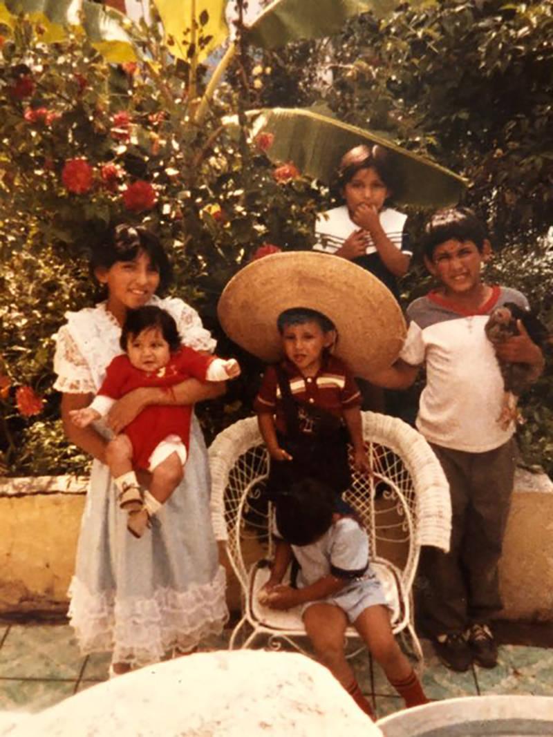 El oficial Milton Miramontes recuerda con alegría su infancia en San Lorenzo, Zacatecas, Méxi ...