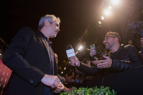 En esta foto de archivo, Alfonso Cuarón atiende a los medios de comunicación durante la edici ...