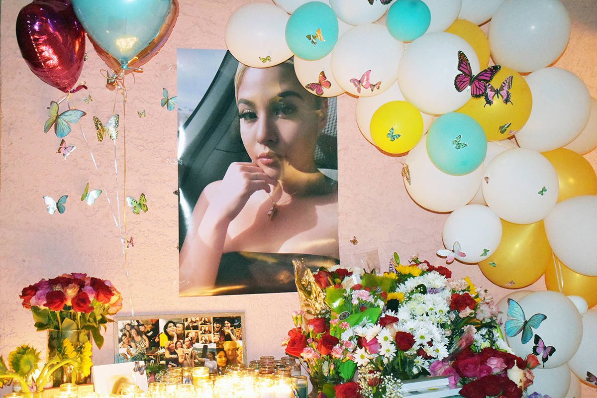 Honraron familiares y amigos -en una vigilia- la memoria de Lesly Palacio, la jovencita asesina ...