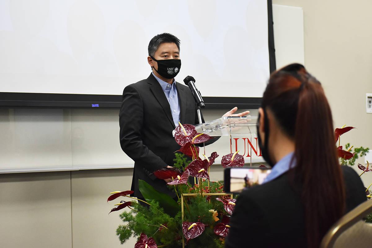Ejecutivos de UNLV y de Panda Express participaron en un evento para informar sobre una generos ...