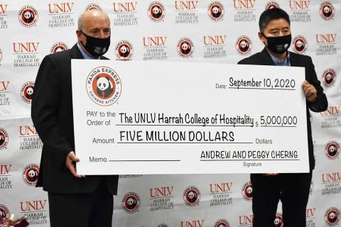 Los cofundadores de Panda Express (no aparecen en la foto) enviaron una donación de $5 millone ...