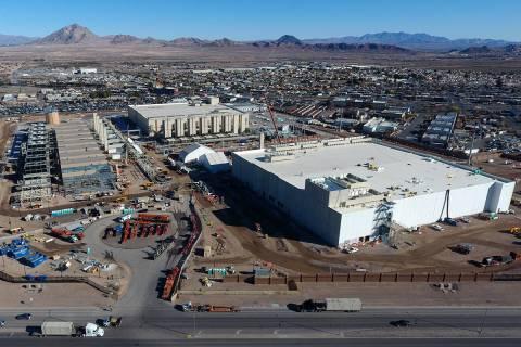 Vista aérea del Centro de Datos de Google en construcción en Henderson, Nevada, el martes 11 ...