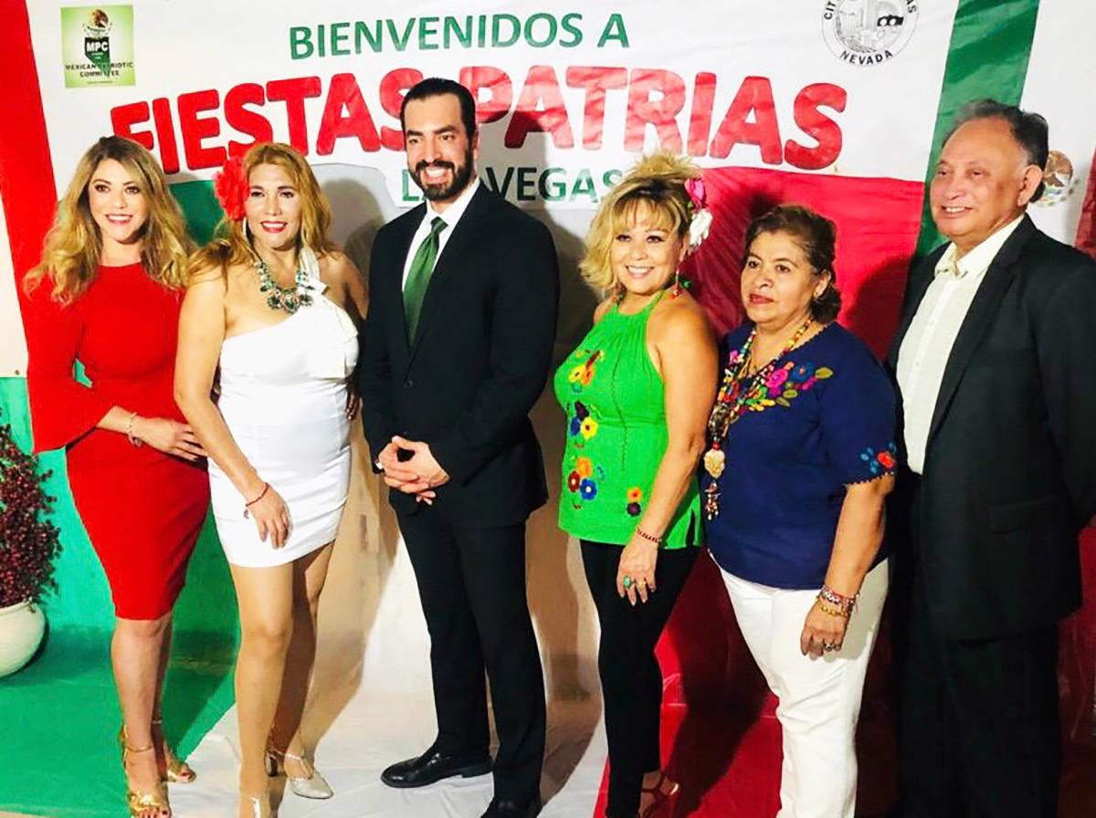 Los miembros del Comité Patriótico Mexicano celebraron la Independencia de México con un ale ...