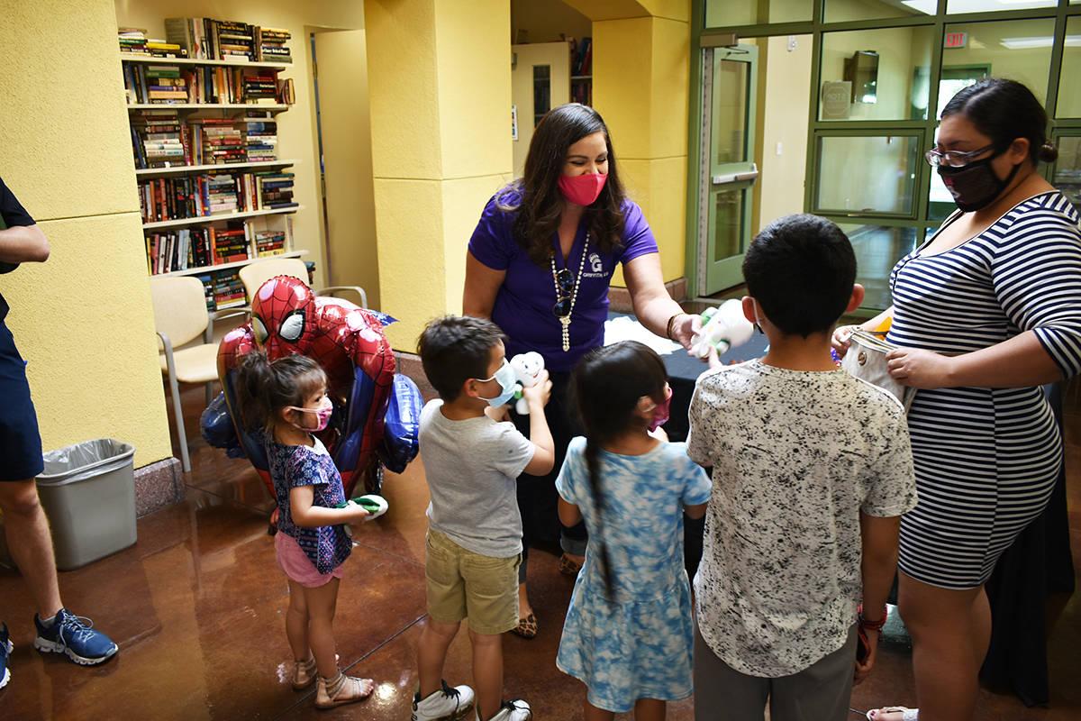 Communities In Schools inauguró una serie de clínicas dedicadas a apoyar a los estudiantes de ...
