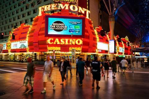 El Fremont Casino en Fremont Street Experience en el centro de Las Vegas el lunes, 21 de septie ...