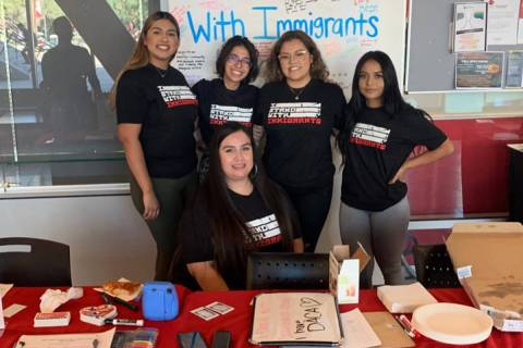 """""""Undocumented Student Program"""" se creó para ayudar a estudiantes migrantes inscritos en UN ..."""