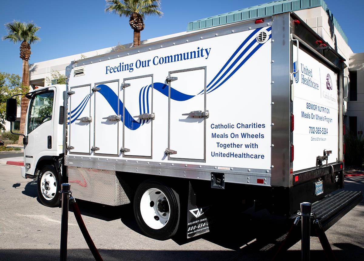 Dona UnitedHealthcare un millón a Caridades Católicas, para programas ,of Southern Meals on W ...