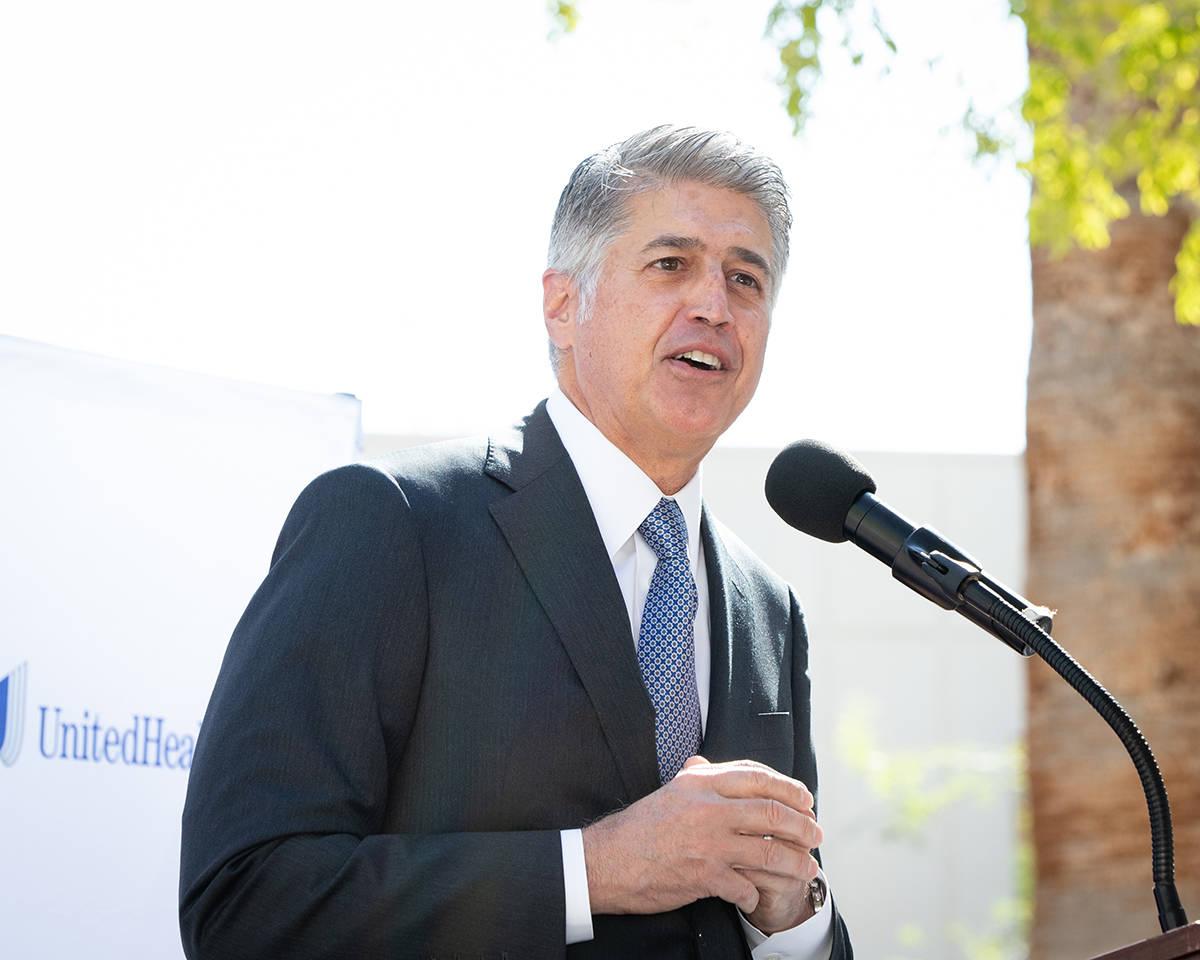 Donan un millón a Caridades Católicas, Don Giancursio, CEO of Health Plan of Nevada. [Foto co ...