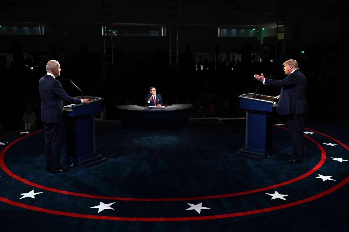 El presidente Donald Trump y el candidato presidencial demócrata, el ex-vicepresidente Joe Bid ...