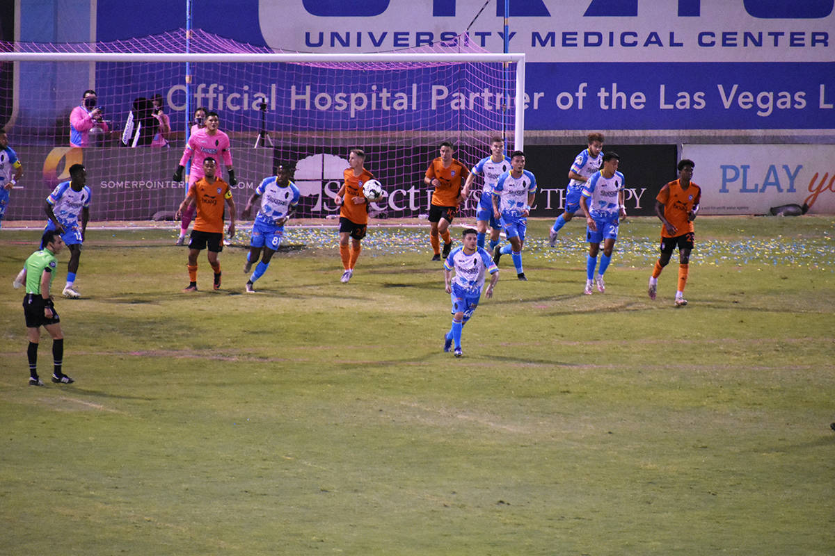 Las Vegas Lights FC terminó la temporada 2020 de la USL Championship con una derrota por 2-4 a ...