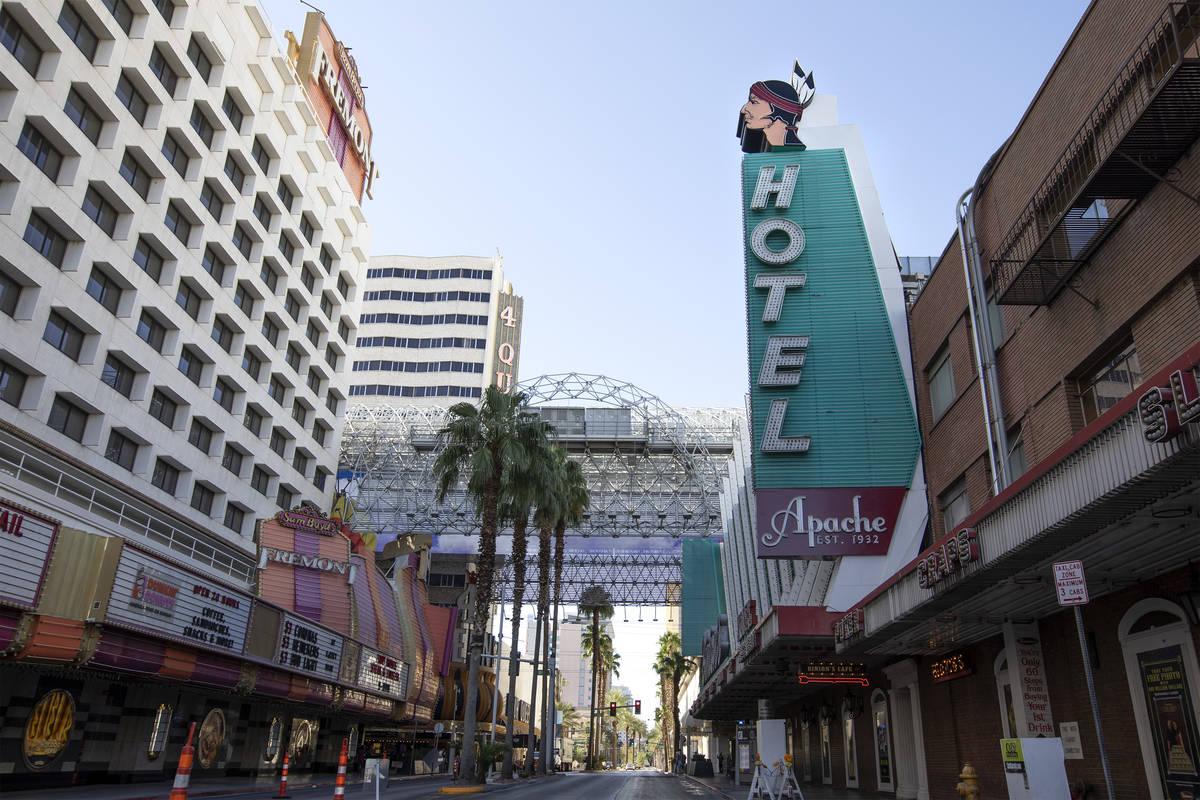 Hotel Apache en el centro de Las Vegas el martes, 29 de septiembre de 2020. (Ellen Schmidt/Las ...