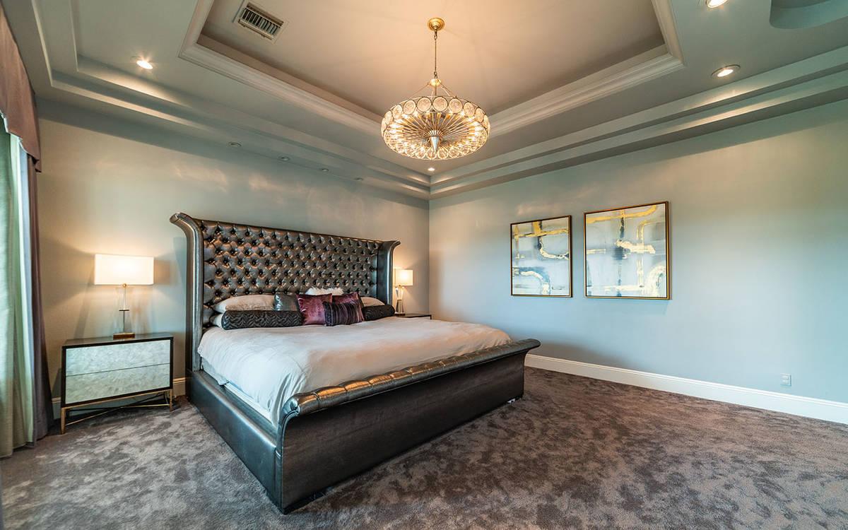 Habitación. (Luxurious Real Estate)