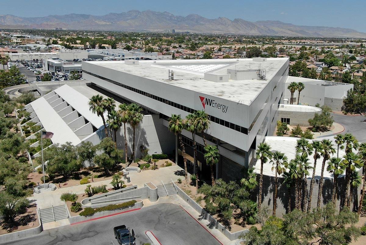 El edificio de la sede de NV Energy en 6226 de la Avenida West Sahara fue comprado por 33.35 mi ...