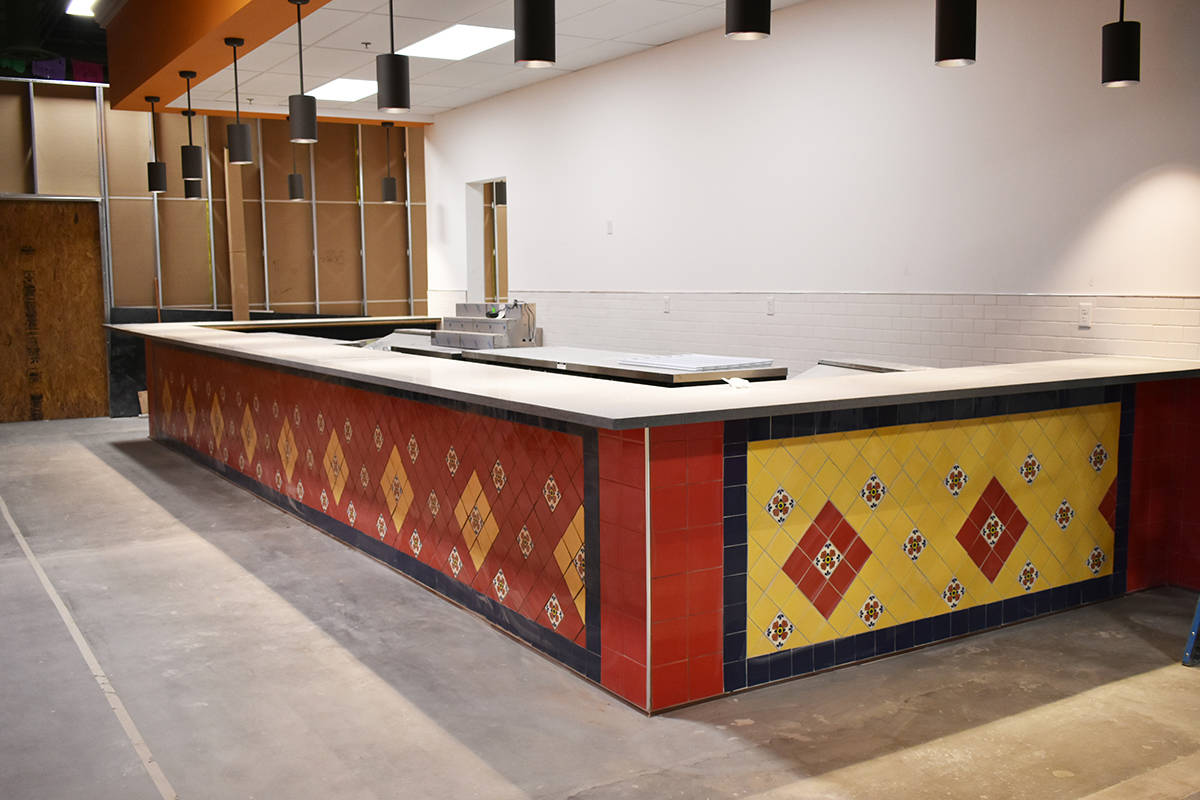 La zona de restaurantes de comida rápida de El Mercado estará lista para noviembre. Jueves 8 ...
