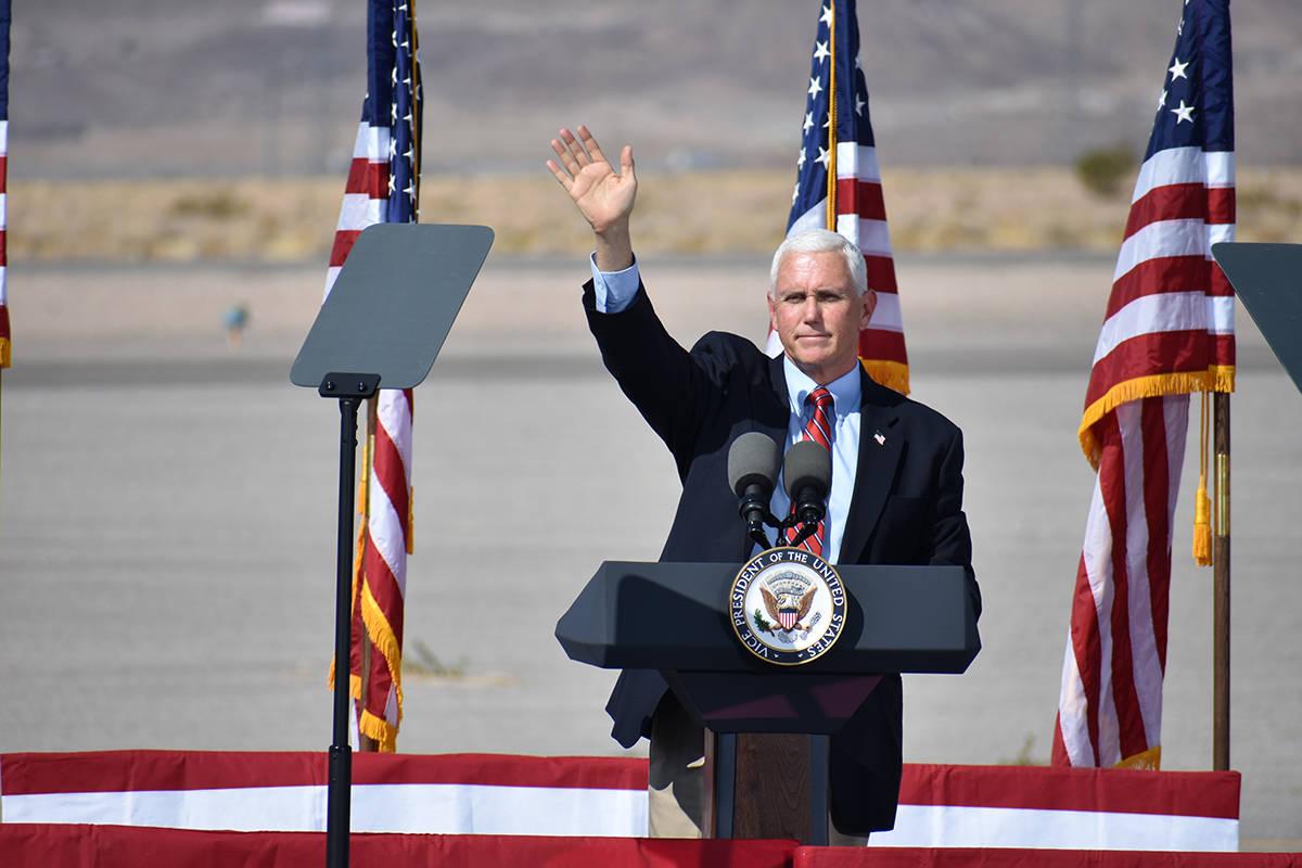 El vicepresidente Mike Pence visitó el sur de Nevada un día después de participar en el deba ...