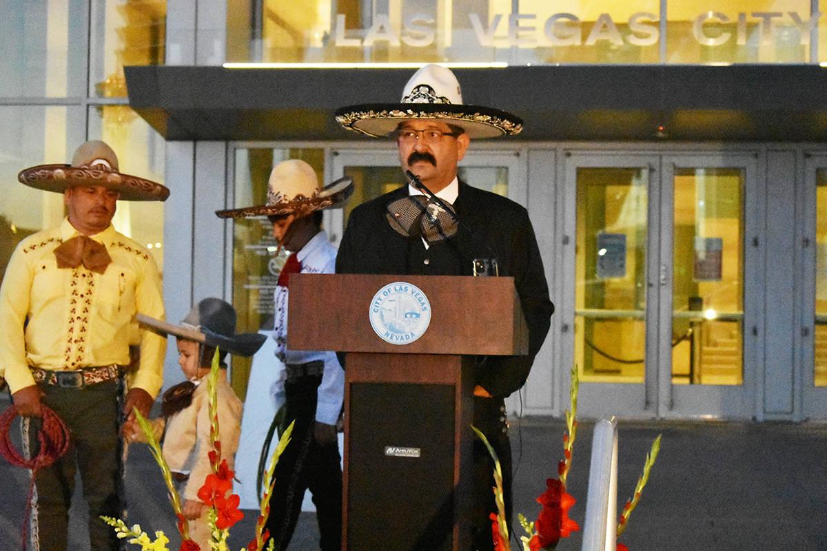 El presidente de Fuerza Hispana Las Vegas, Marco Ruelas, durante un evento para concluir el Mes ...