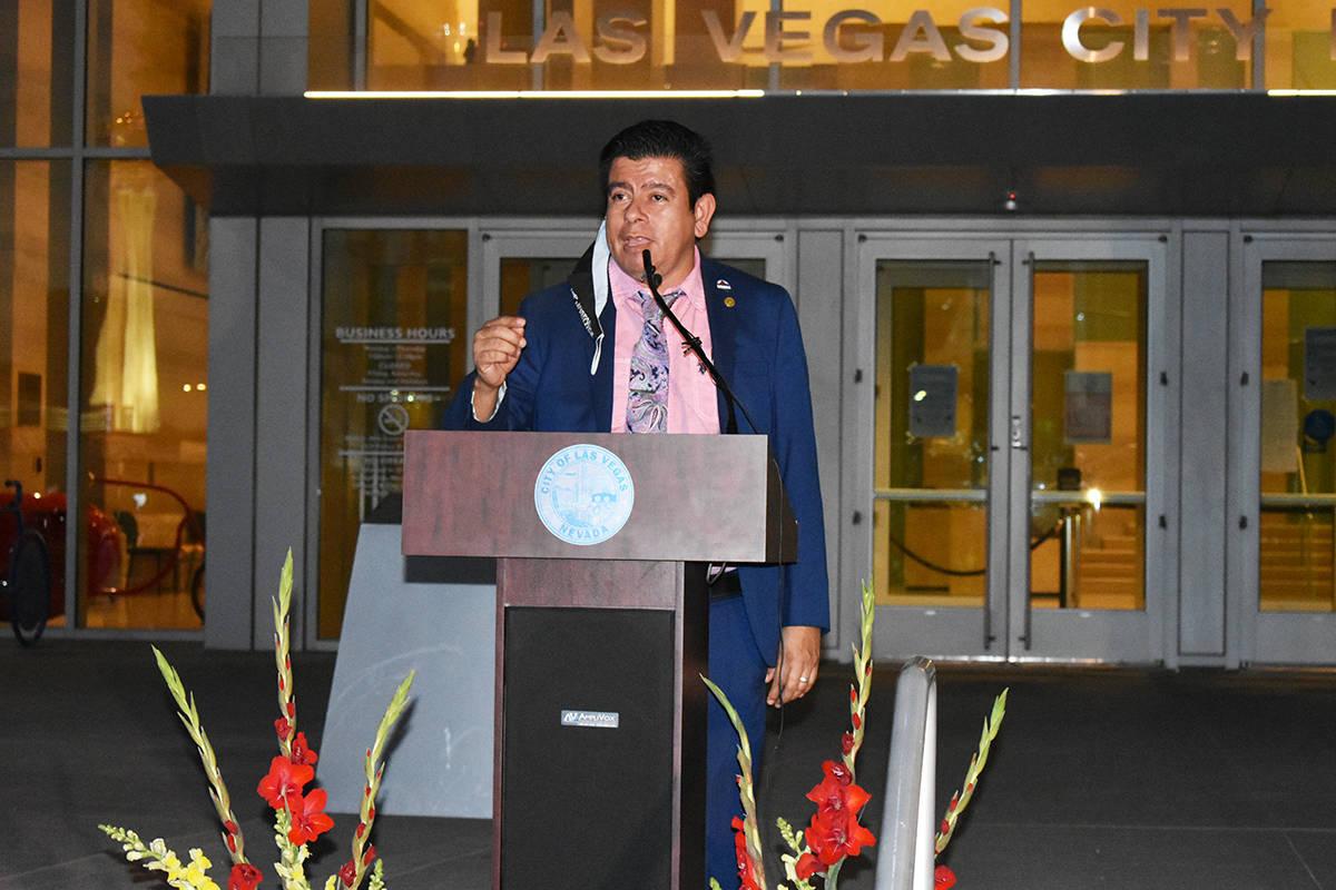 El vicealcalde de North Las Vegas, Isaac Barrón, durante un evento para concluir el Mes de la ...