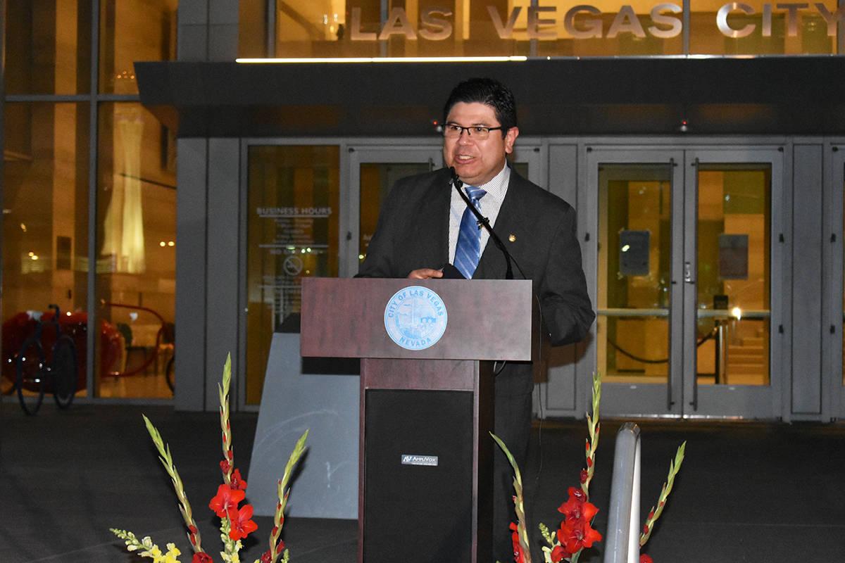 El cónsul de El Salvador en Las Vegas, Tirso Sermeño, durante un evento para concluir el Mes ...