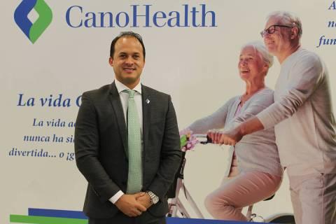 Con mariachi y sana distancia se abrió una de las 3 clínicas de Cano en Las Vegas. Sábado 10 ...