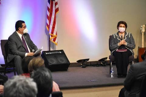 El analista conservador, Jesús Márquez, fue el encargado de moderar un foro de diálogo con l ...