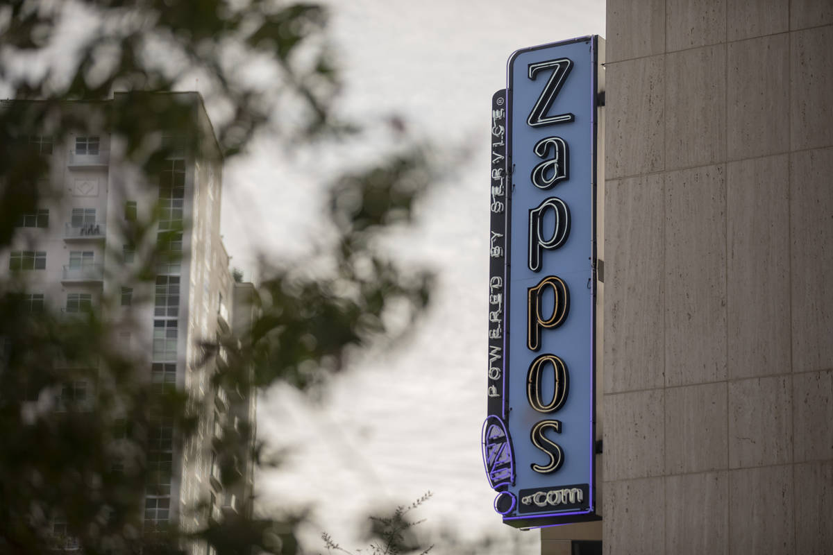 La oficina de Zappos en el centro de Las Vegas el jueves, 8 de octubre de 2020. (Elizabeth Brum ...