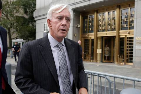 "El apostador de Las Vegas, William ""Billy"" Walters, deja la corte federal de Manhattan en Nueva ..."